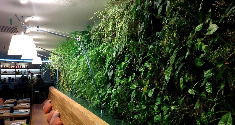 Detalle restaurante jardin vertical