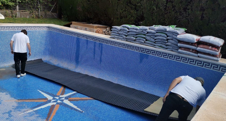 proceso para naturalizar una piscina de cloro