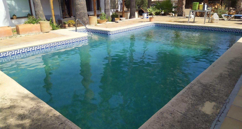 Proceso de naturalización de una piscina de cloro
