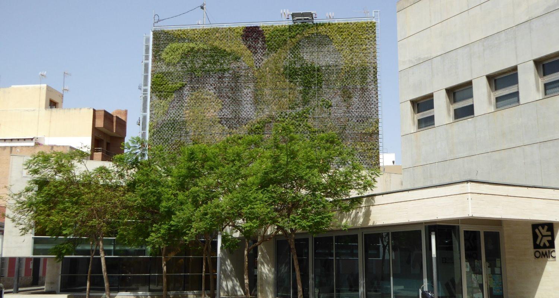 Reutilización de medianeras diseño verde